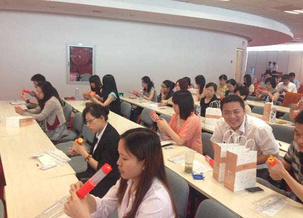 ...织员工参加了由南京新百开展的消防安全知识培训图片 221858 600x432